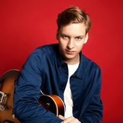 GEORGE EZRA sur Hit West